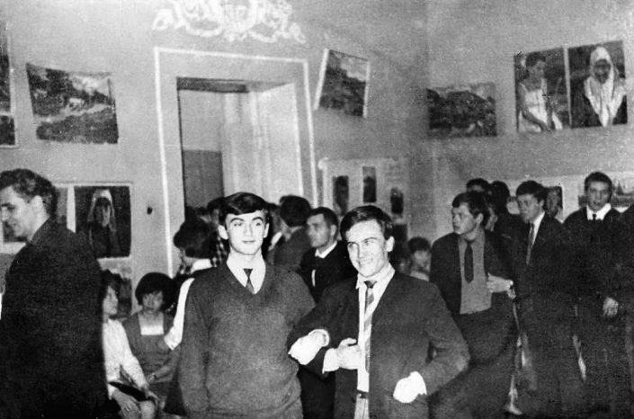 1966 г. На открытии выставки. На переднем плане справа педагог Середин, Бельский и Тараканов, в глибине Борисов и Филимонов